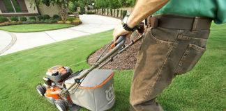 Kosiarka elektryczna dla niewielkich ogrodów – jaką kupić?