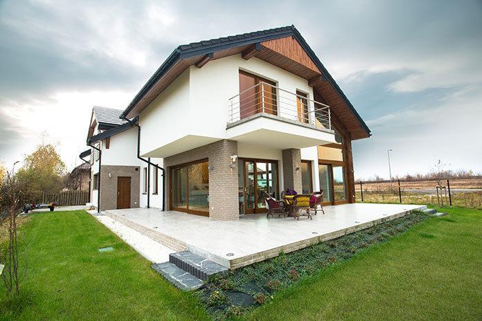 Projekty domów: z poddaszem czy piętrem