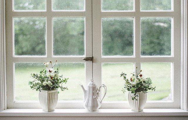 Okna drewniane, aluminiowe czy plastikowe – które wybrać