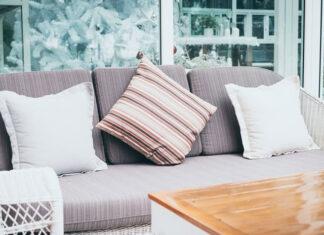 Wskazówki dotyczące łączenia poduszek z dekoracyjnymi poszewkami